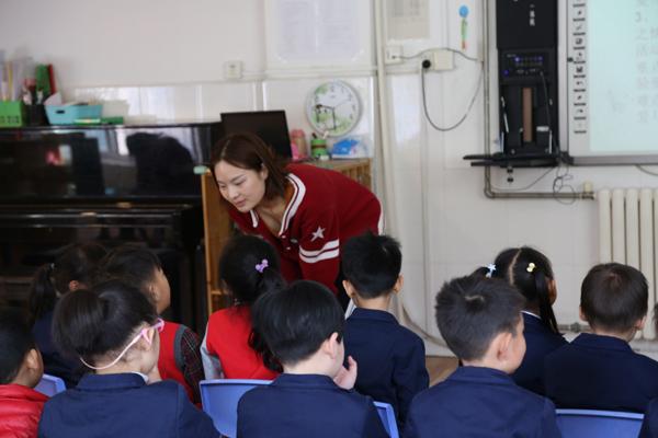 郑州二七区第一幼儿园举行青年教师观摩课活动