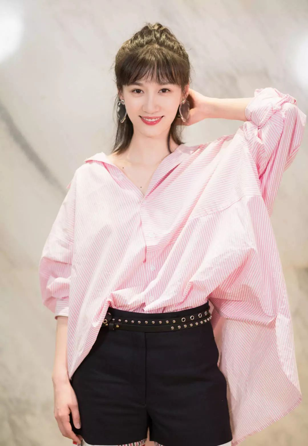 《青春斗》中心气高过天的她,曾给唐嫣佟丽娅配过戏,30岁仍不红