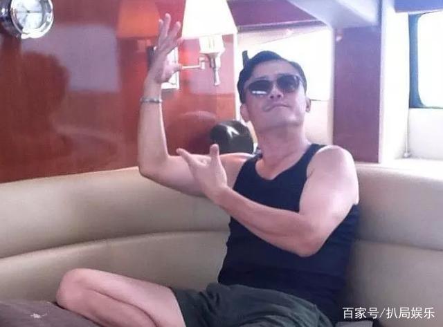 黄毅清叫嚣是周立波的爸爸