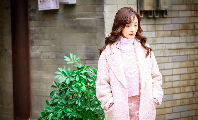 李小璐晒唯美粉嫩照 网友赞清纯样貌似18岁少女图片