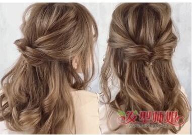 散下来的剩余的头发中,也要给头发做成螺旋的卷发效果,向上卷会让头发
