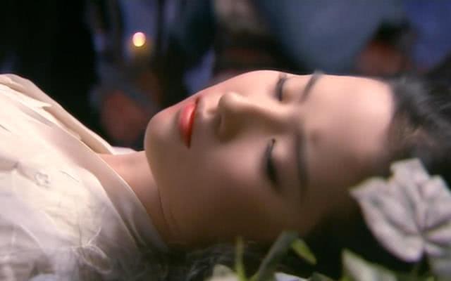 深爱杨过的小龙女,为啥要和公孙止闪婚?真实原因她羞于开口!