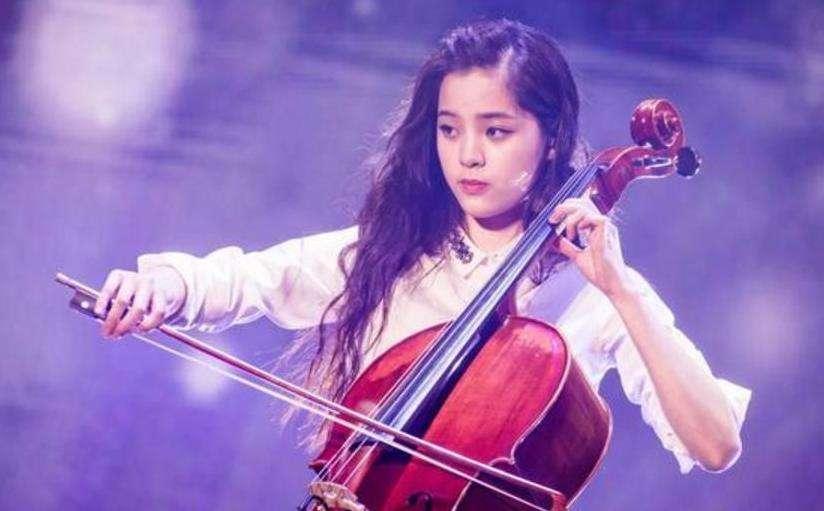 欧阳娜娜设立奖学金,只奖给中国人,网友喊话王源去领奖图片