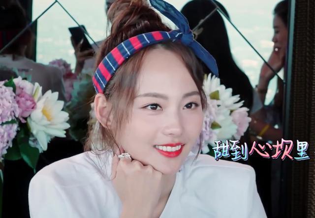 张嘉倪分享美白心得遭网友吐槽,离开滤镜的她究竟有多黑?
