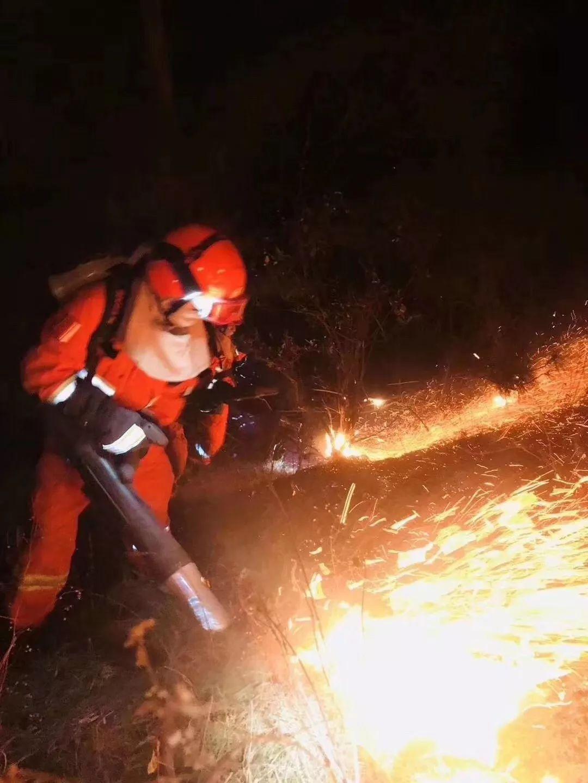 木里3.30森林火灾 灭火英雄回忆 爆燃 瞬间