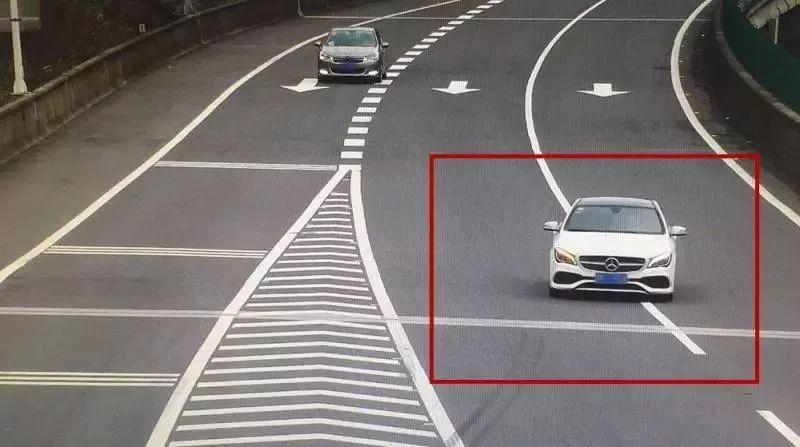 假期出行注意了!高速上超过40%的事故,都发生在个位置…