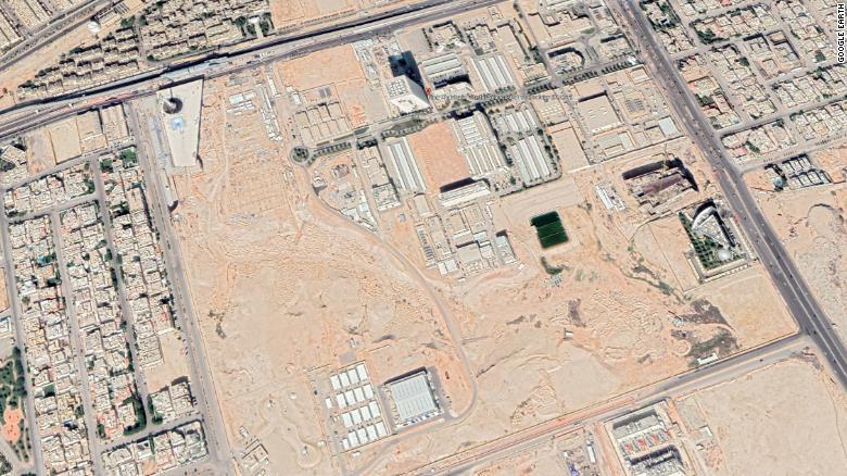 卫星照片显示沙特?#35828;?#39033;目加速,引发国际社