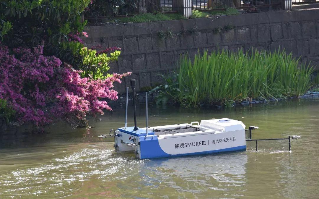"""""""会吃垃圾""""的船你见过吗?江北惊现河道清理神器!"""