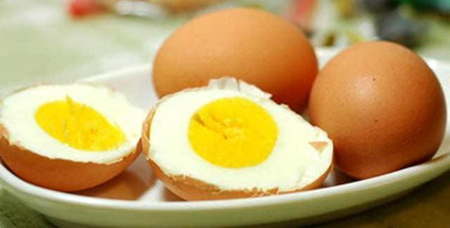 天天早餐吃鸡蛋,原来一直吃错了?两种鸡蛋错误吃法,反而是养病