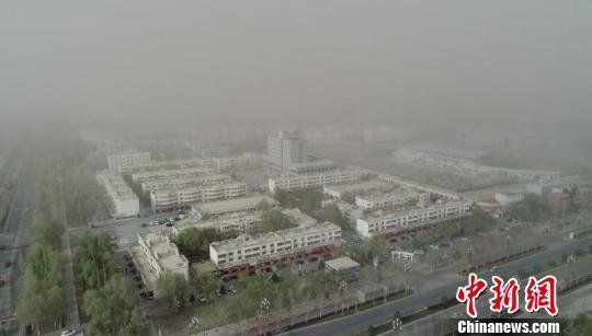 新疆南部阿拉尔市生态改善 沙尘暴来去匆匆(图)