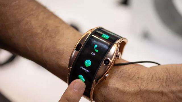 国产可穿戴手机努比亚阿尔法发布 可独立上网支持微信