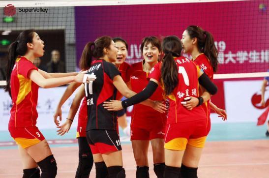 CUVA中国大学生排球联赛24强赛上的四支花