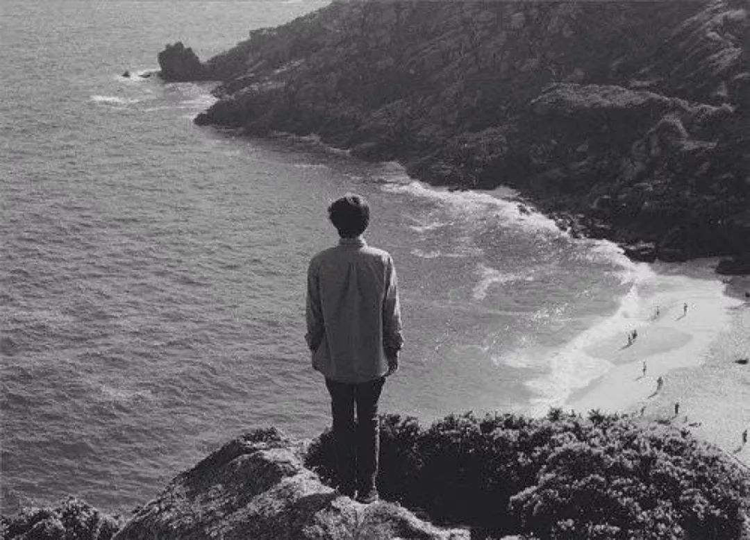 黑白图片伤感风景