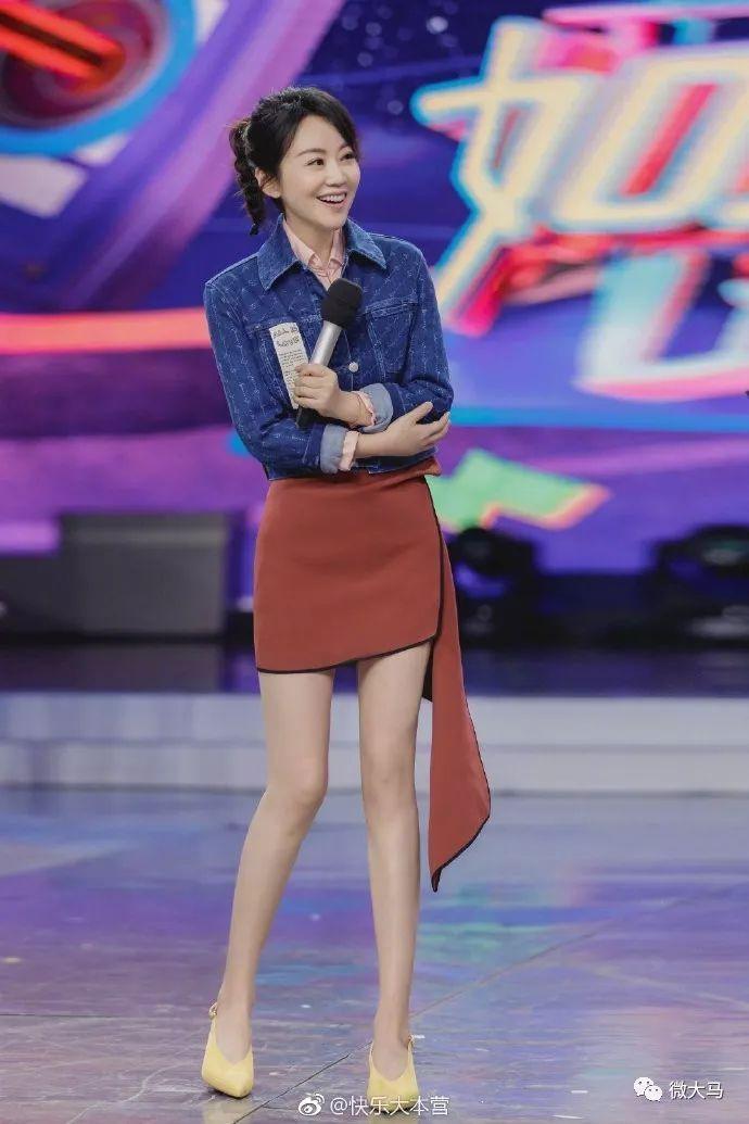 """48岁的闫妮""""少女腿"""":燕窝让女人活出最美的样子!"""