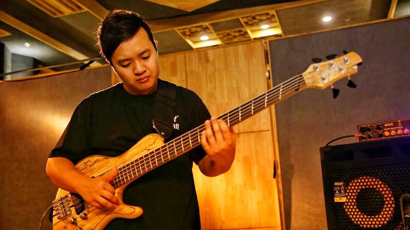 中国乐手专栏|崔文正聊贝斯:一个贝斯乐手的真实生活是什么样的!