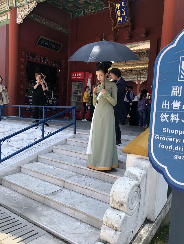 """新版《鹿鼎记》""""太后""""王秀竹被游客偶遇,网传全演员阵容大曝光"""