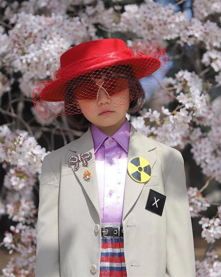 出生穿大牌,3歲就懂搭配?日本潮童被稱女版GD,還有60多萬粉絲_Coco