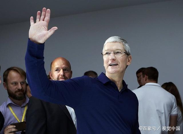 """把iPhone做成奢侈品的""""女魔头""""终于要走了,网友:又要降价了?"""