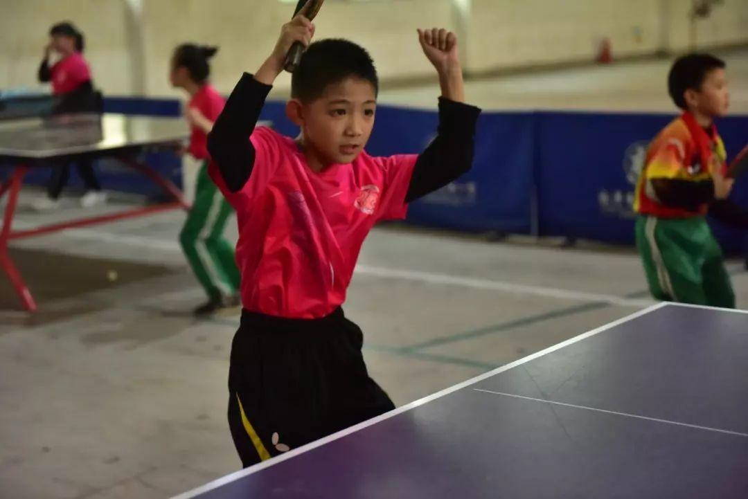 乒乓球的风筝别有洞天!深圳世界冲浪图片