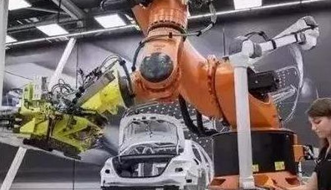 中国制造业现状证明:全民高学历模式已经失败