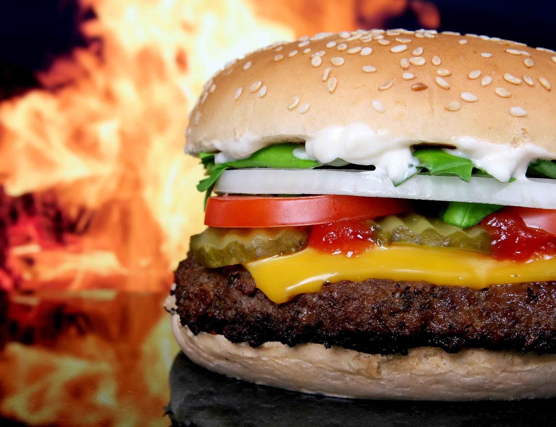 香肠汉堡已成健康杀手,垃圾食品产业是怎么在世界盛行的