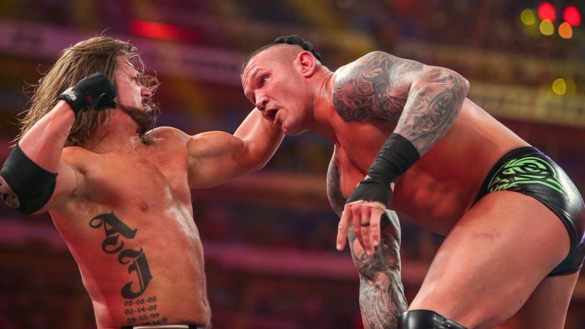 WWE摔小辉新闻兰迪奥顿帮公司顶罪向摔角狂热粉丝道歉