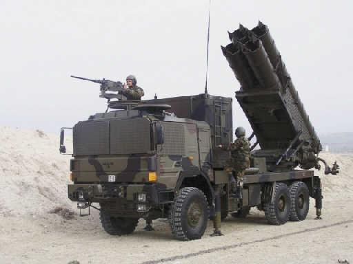中国卫士火箭炮性能优秀为何只专供出口,这一关键让解放军看不上
