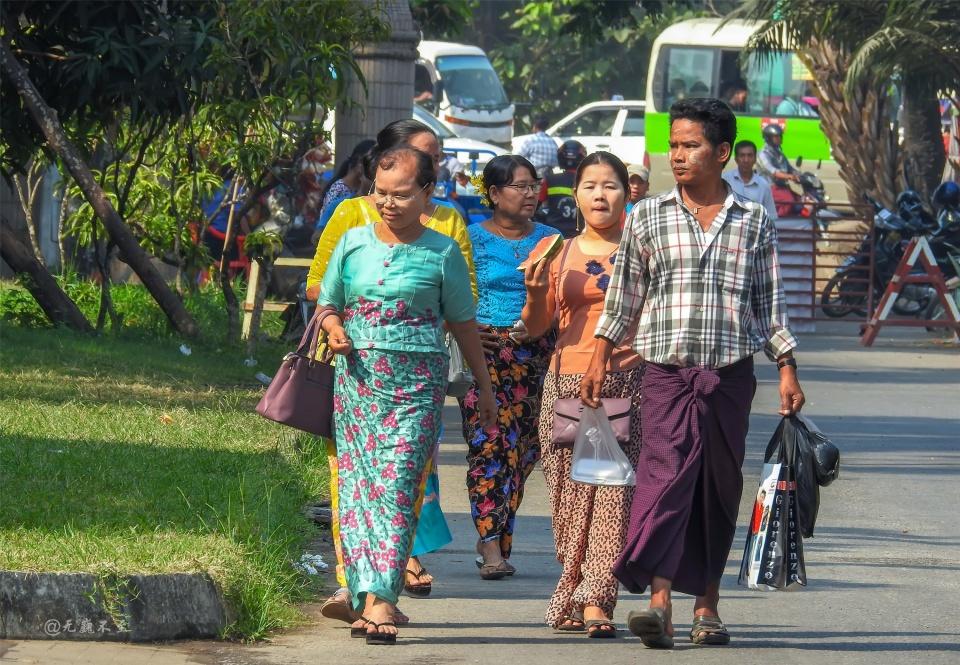 <b>仰光古庙邂逅一场婚礼,见到缅甸最美的一位伴娘</b>