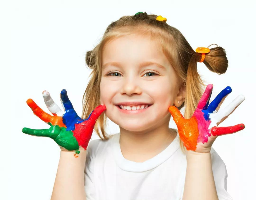 孩子偷偷自卑的4种表现,家长不要忽略