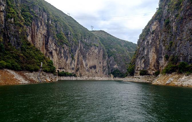 乘船游三峡(五):游小三峡