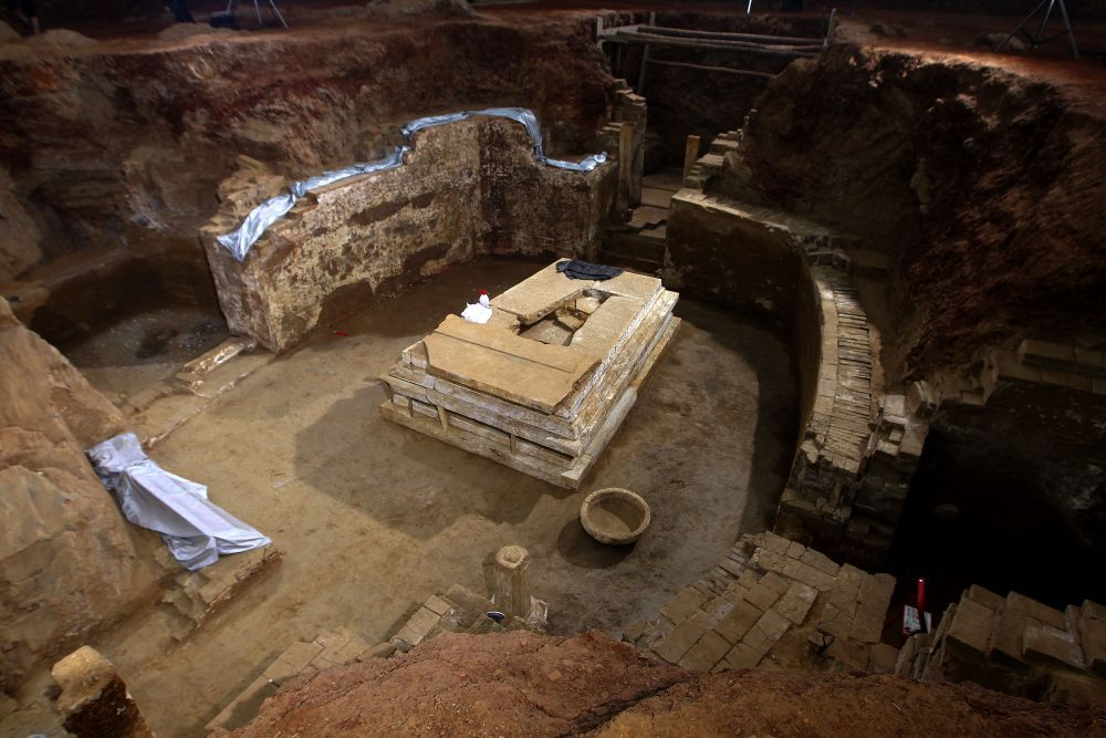 這座古墓兩千年前被盜墓者光顧,但沒人拿走其中物品,墓主太厲害_墓穴