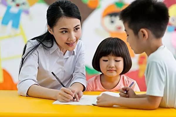 家庭作业都让家长检查,老师是干嘛的?孩子家长如是问