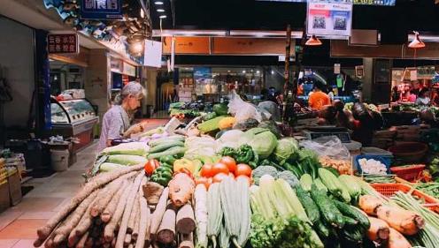 買菜時,聰明人從不輕易買3種菜,菜攤老板說漏嘴:我們一般不吃_菜市場