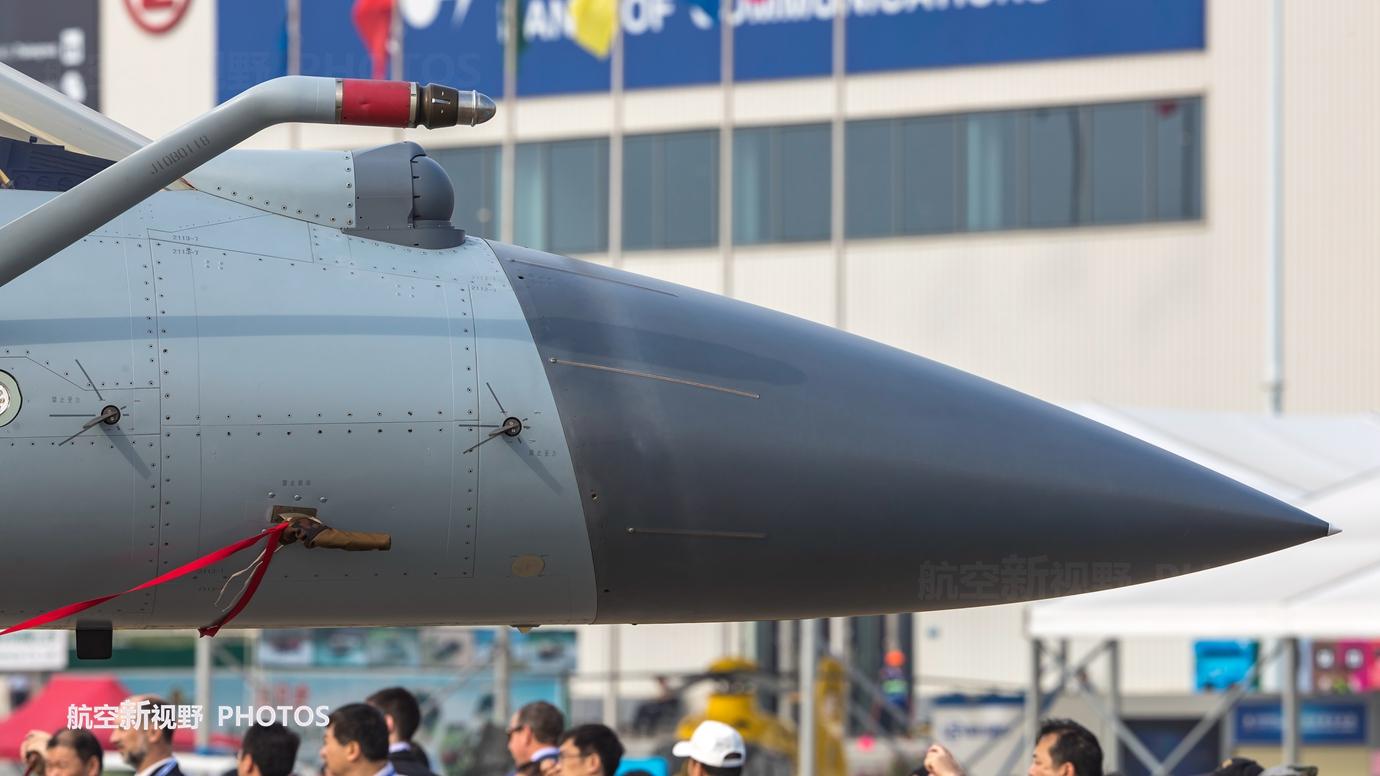 中國殲10B戰機超高清細節 先進性能與成本核算 最完美的結合_鉚釘