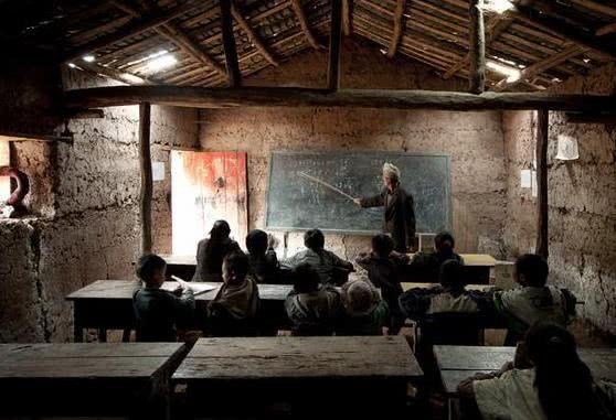 """""""首席教师""""出台,能解决教师岗位无人应聘么?老师:别闹了"""