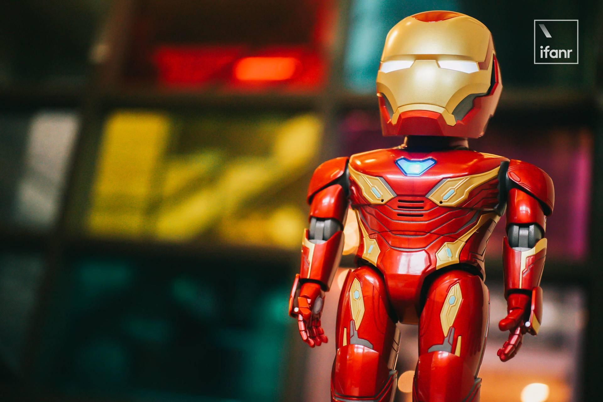 入手漫威钢铁侠机器人后,我知道了粉丝为什么可能最爱它