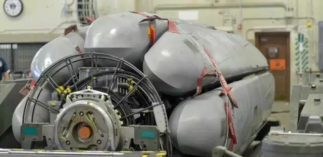 鸡肋还是战斗力倍增器? 轰炸机旋转发射架赏析
