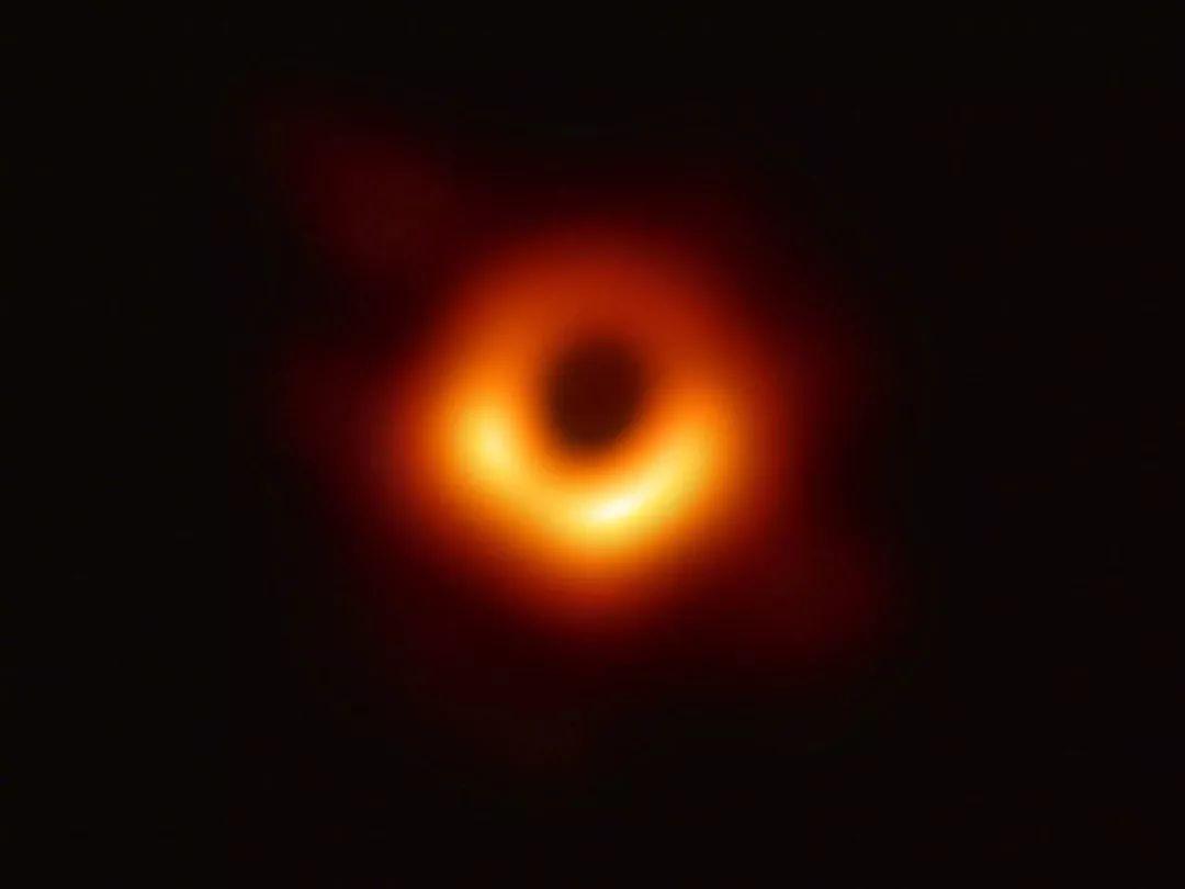 时事新闻世界上首张黑洞照片出炉
