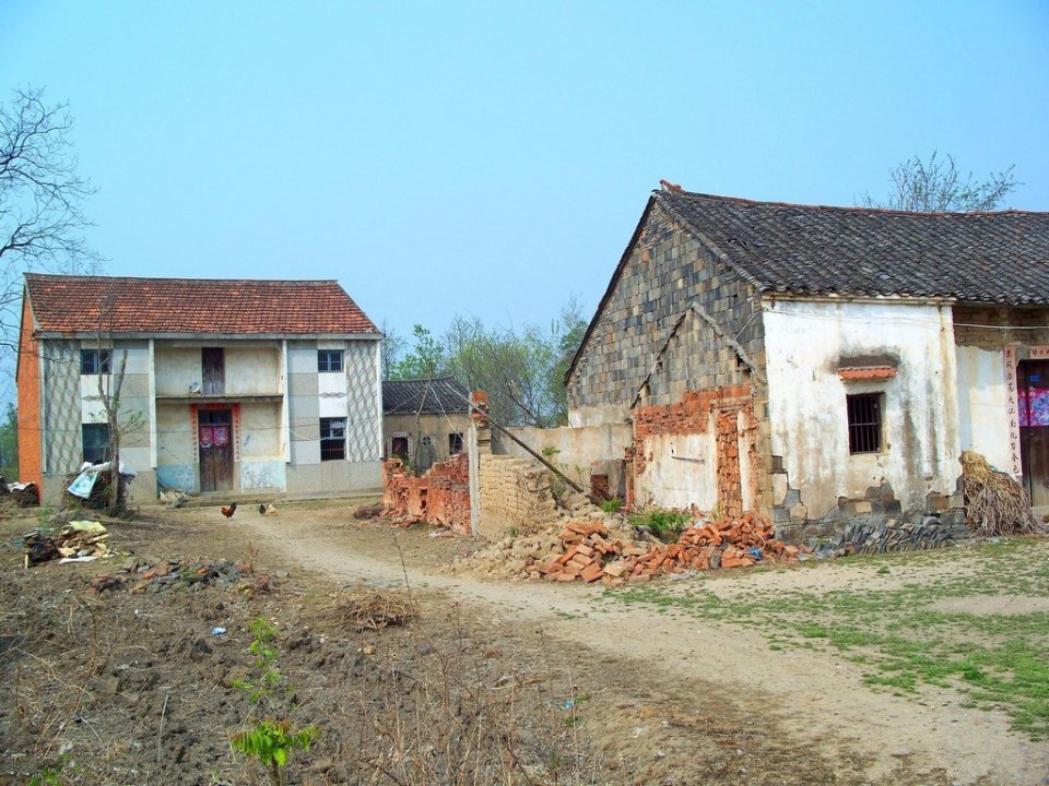 在农村,有人住和没人住的房子有多大差别?内行人说出了实情