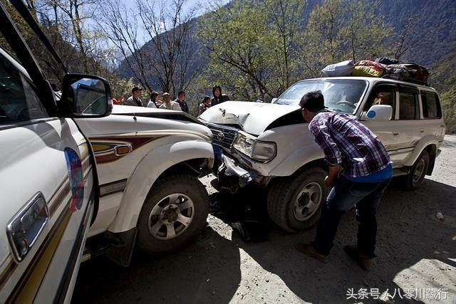 """川藏线老司机,带你看5年前真实的""""通麦天险"""""""