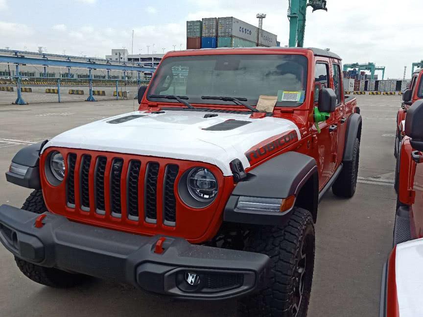 皮卡版牧马人?Jeep角斗士到港实拍,将亮相上海车展