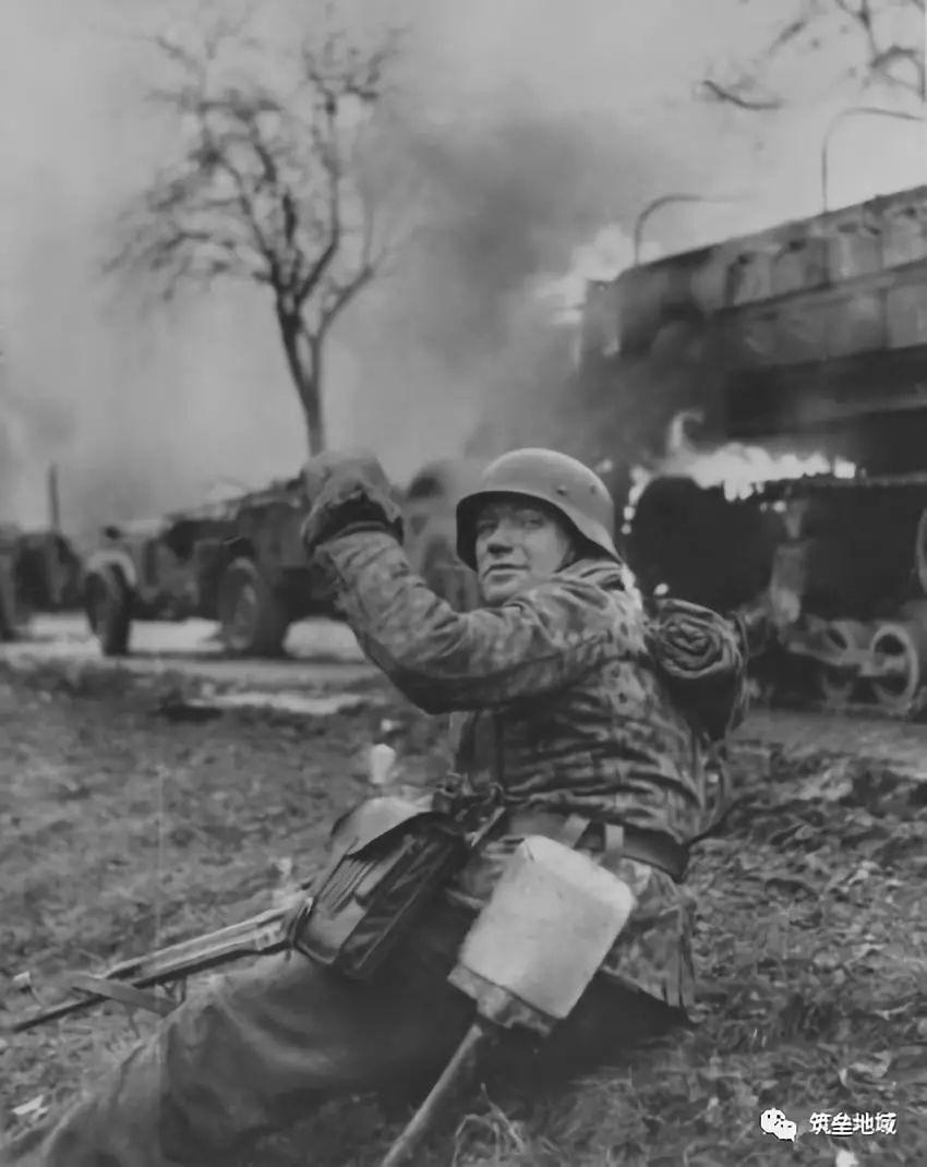 真以为党卫军是二战德军精锐 他们一开始就是个捡破烂的