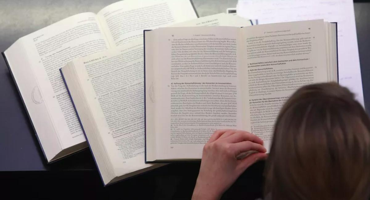 第一本 AI 写的书,你想读吗?