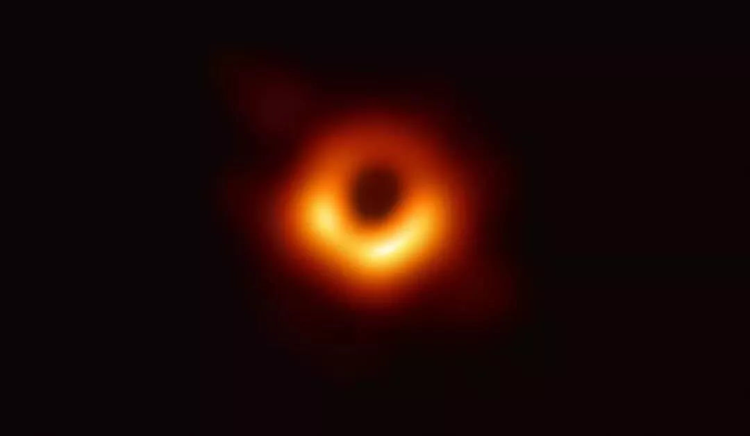 世界上首张黑洞图像出炉