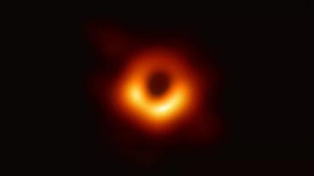 """""""冲印""""了2年的""""黑洞""""照片,你看懂了吗?"""