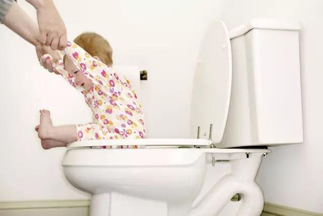 宝宝是攒肚还是便秘?10个妈妈有9个都搞错!一分钟教你区分