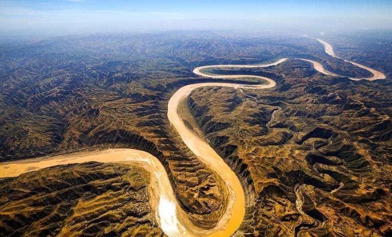 """孕育中华文明的黄河_母亲河黄河为什么被称为""""地上悬河""""?河里的泥沙是怎样清理 ..."""