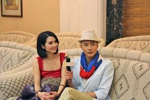 张丹峰早年上《天天向上》全程不看洪欣,被cue姐弟恋时神色奇怪