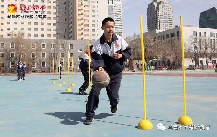 """""""坐位体前屈""""成2019年中考体育抽考项目 3.2万考"""