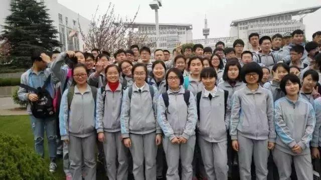 校服大PK 芜湖中学校服哪家强 你的母校要躺枪